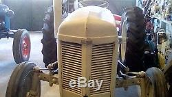 Antique Massey Ferguson tractor (1956) Tef20