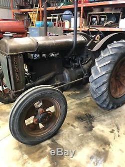 Fordson Tractor 1943 / Massey Ferguson/ Ford