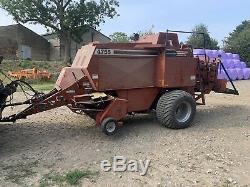 Hesston 4755 Baler / Massey Ferguson 185