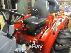 Massey Ferguson 1529 4wd compact tractor near perfect condition
