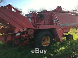 Massey Ferguson 520 combine harvester corn cut header tractor
