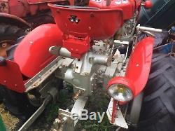 Massey Ferguson 821 Tractor