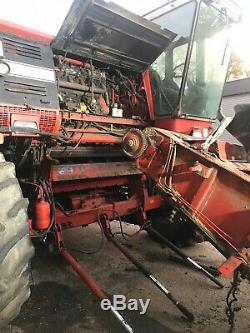 Massey Ferguson 860 Combine harvester