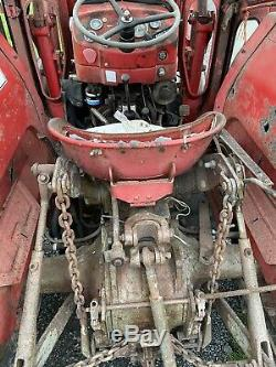 Massey ferguson 135 tractor classic ford agricultural vintage loader