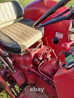 McCornick International B414 Vintage Tractor. (Equivalent to Massey Ferguson 35)