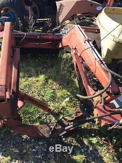 Milmaster Front Tractor Loader To Fit 135 Massey Ferguson C/W Spools