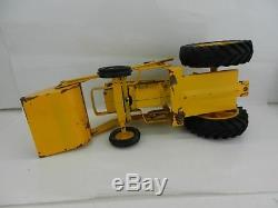 VINTAGE ERTL MASSEY FERGUSON 3165 Industrial Yellow Tractor withLOADER HTF